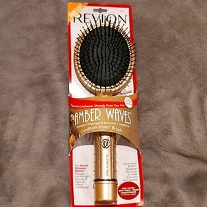 New Revlon Amber Waves Condition-Smart Hairbrush